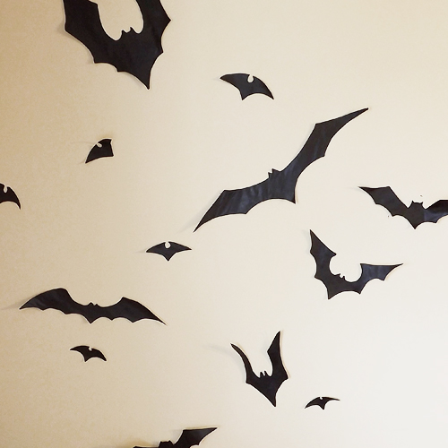 bats everywhere their arrival into the month of october has begun the halloween festivities a week ago i decided to make some halloween decorations for