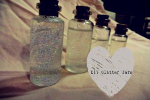 YAA'S Summer- DIY Glitter Jars!