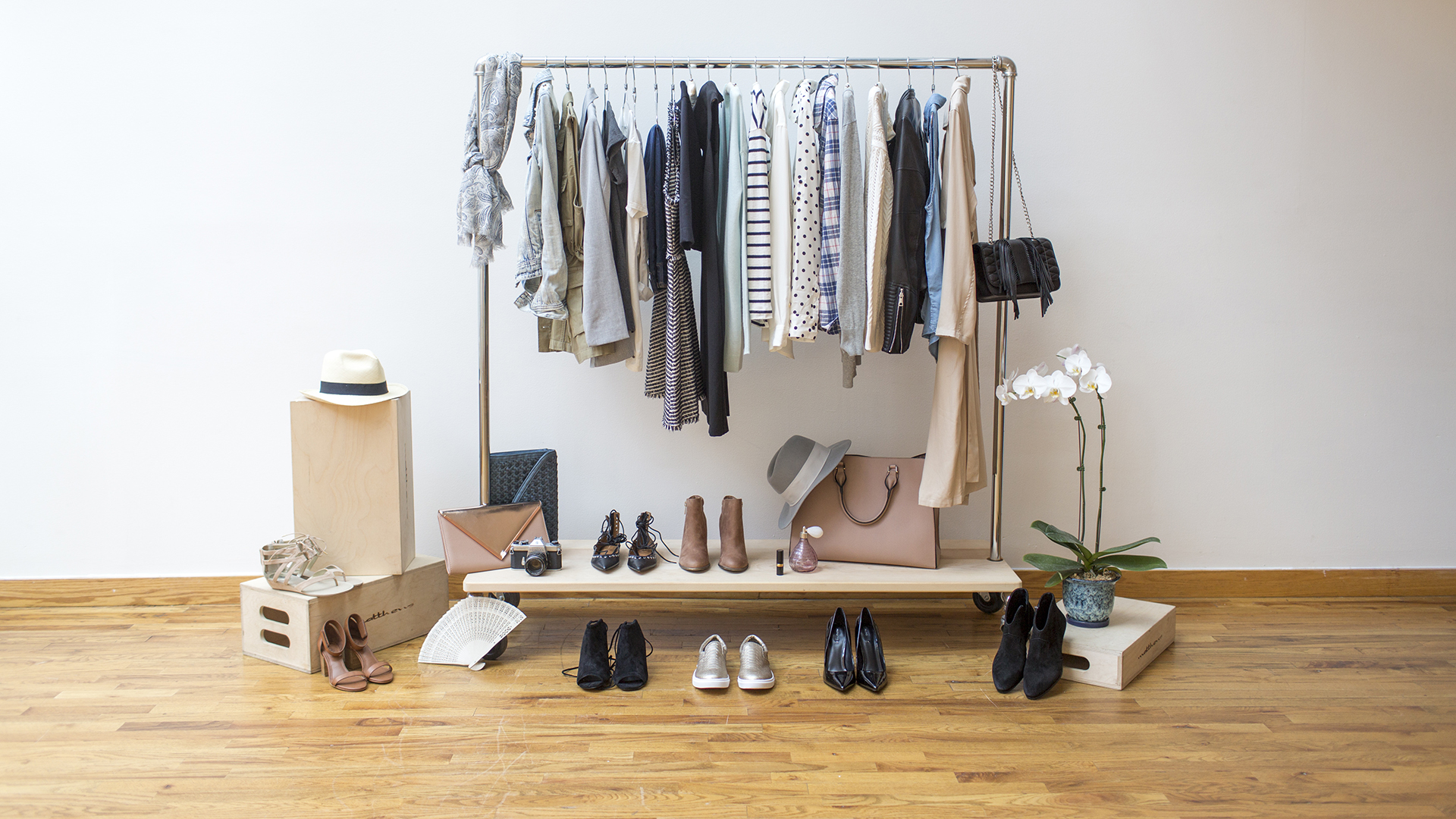 Building A Capsule Wardrobe Pt I – A Capsule What