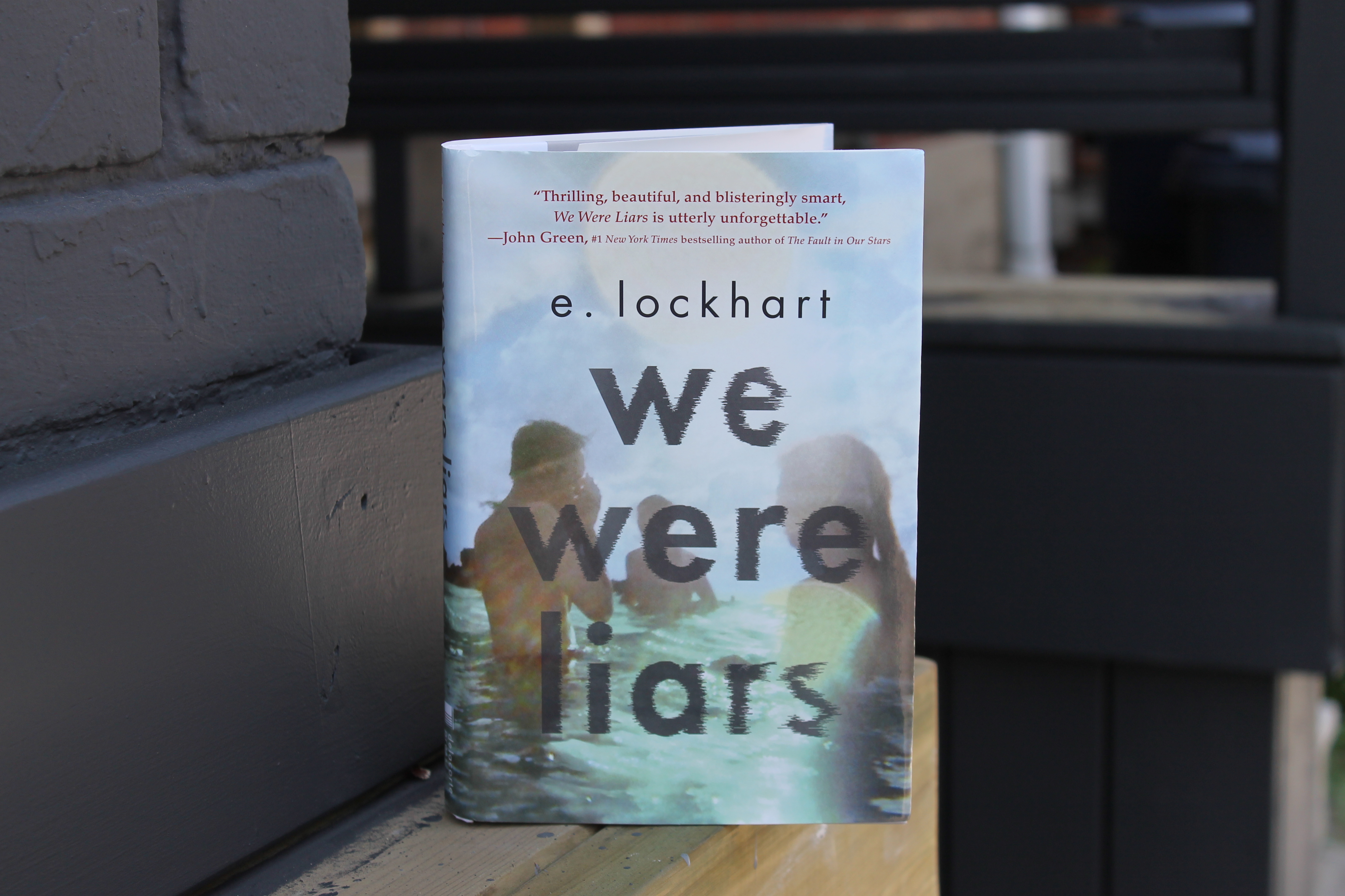 Book Review: We Were Liars by E  Lockhart - Youth Are Awesome
